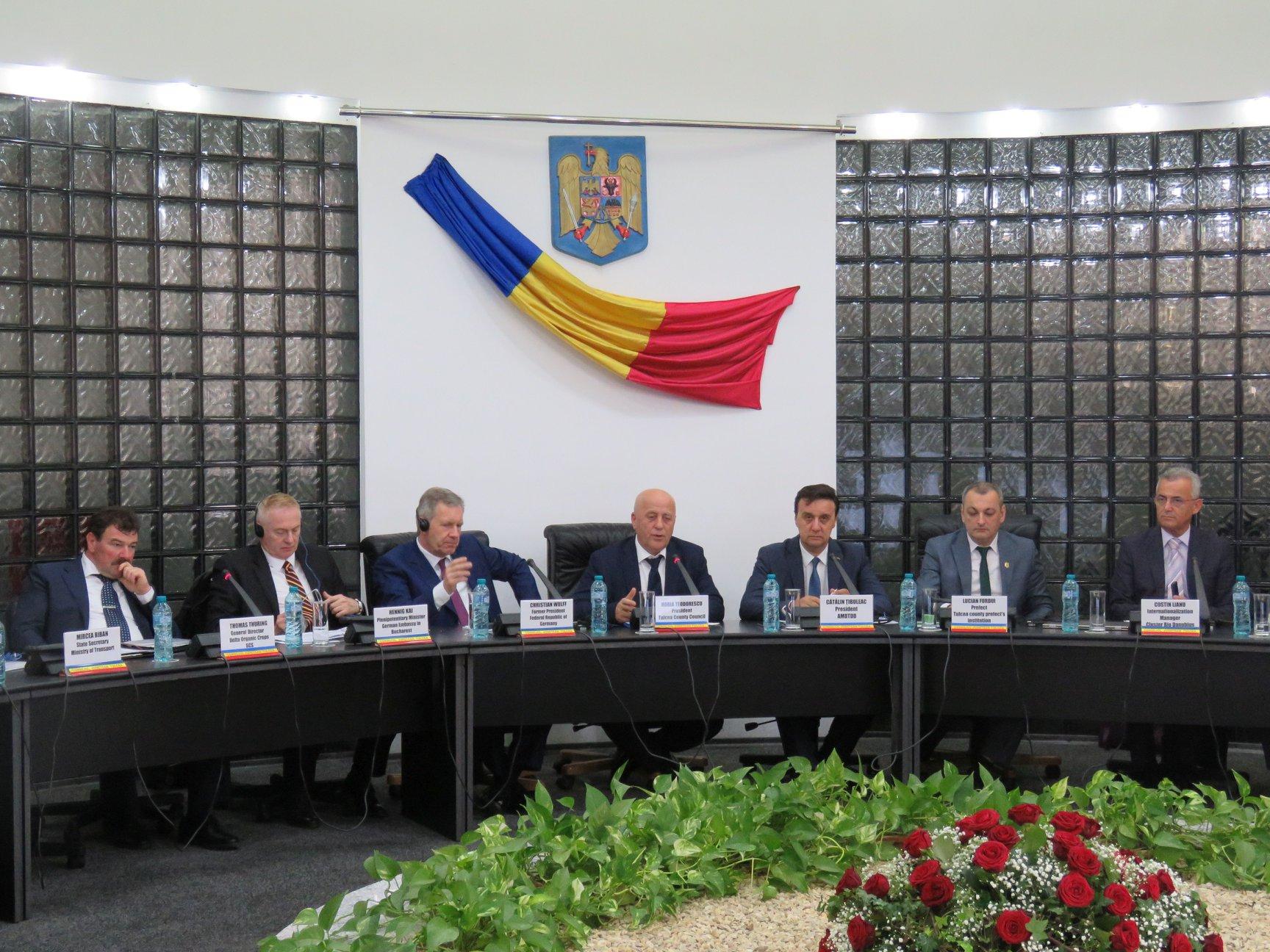 """Fostul președinte al R.F.G., la Tulcea: """"Aveţi un sol optim, o climă excelentă"""""""